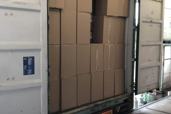 40ftコンテナ複数台分を入庫、仕分け、発送してほしいの写真